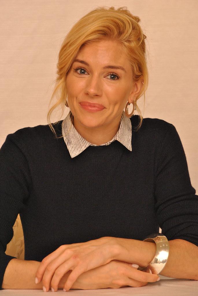 Сиенна Миллер — Пресс-конференция «Burnt» 2015 – 23