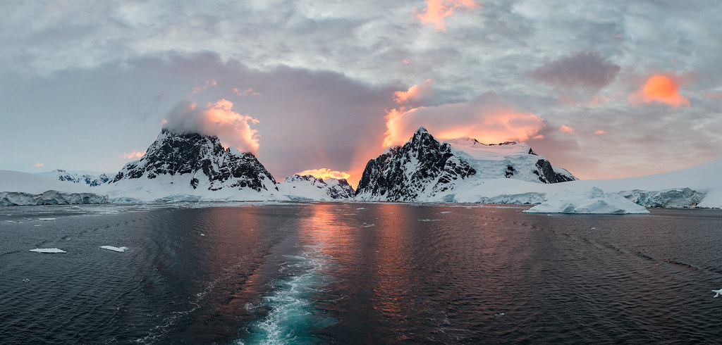 Sunset at the Lemaire Channel