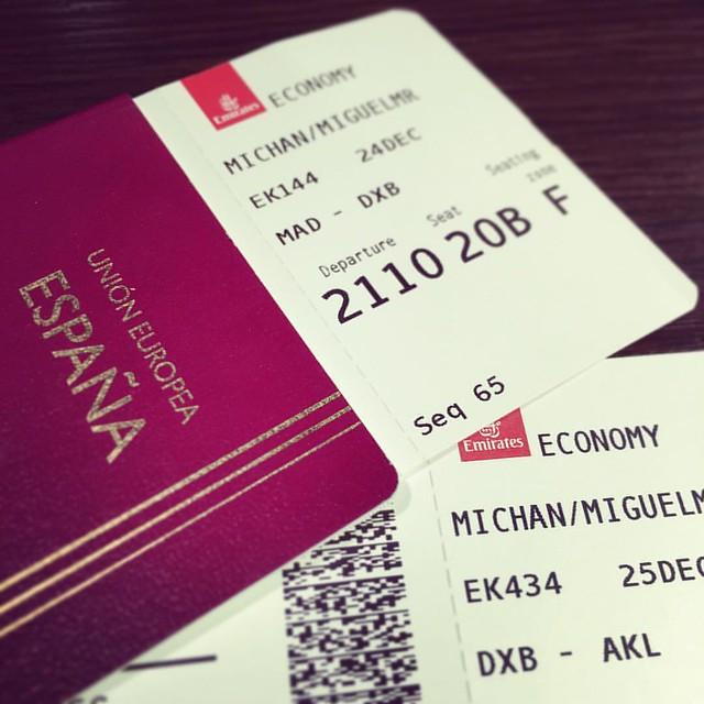 Let's go to New Zealand! Me espera un vuelo de calentamiento de 7 horas hasta Dubai seguido de la madre de todas las bestias, otro de 19 horas hasta Auckland ✈️💀✈️💀💀💀