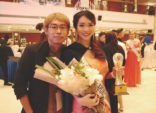 With the new Miss Singapore Chinatown Vanessa Tiara Tay