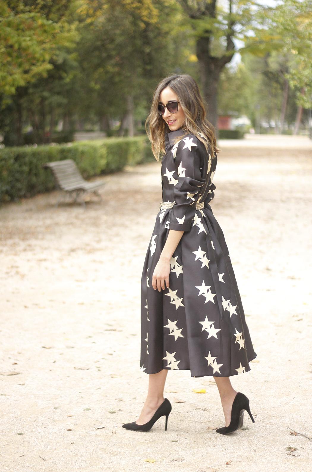 Star Print Dress sunnies heels outfit15