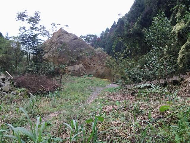 15巨石區的瀑布