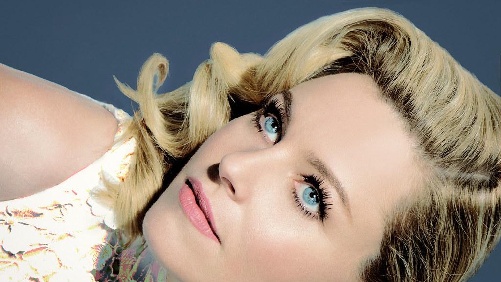 Элизабет Бэнкс — Фотосессия для «SNL» 2015 – 7