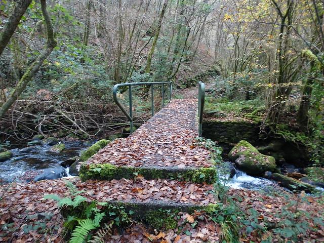 Puente en el río Mandeo