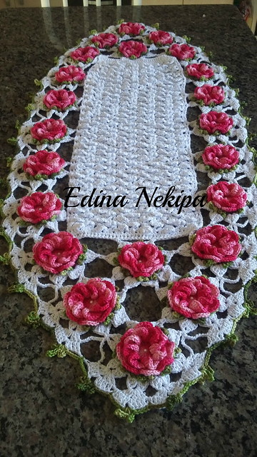 13 Exquisite Beautiful Crochet Tablecloth to Ruin Your Heart