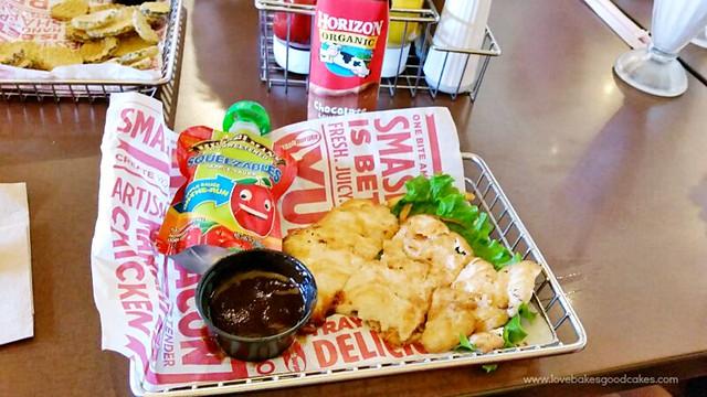 Smashburger Kids Meals menu with new, better-for-you additions! KidsMealSmash AD