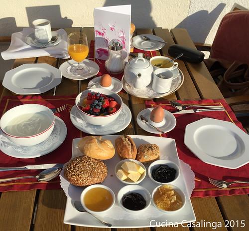 Goldener Berg Sonnenfrühstück