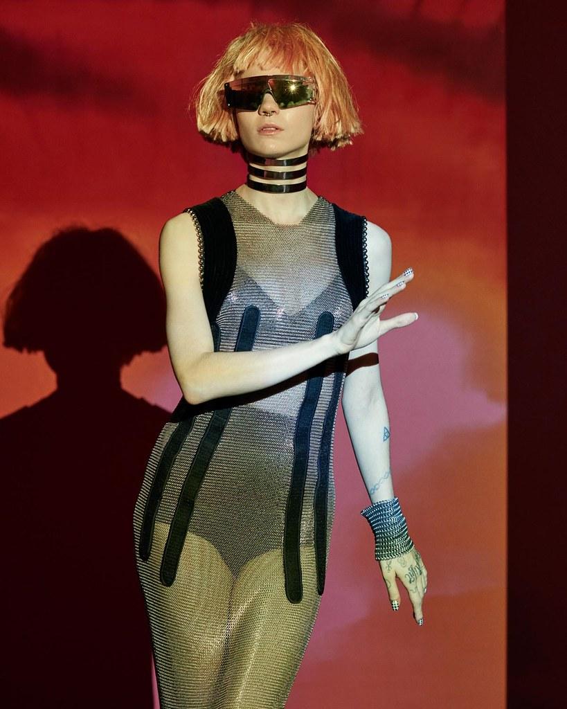 Граймс — Фотосессия для «Nylon» 2015 – 3