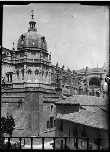 Catedral de Toledo hacia 1920. Fotografía de Enrique Guinea Maquíbar © Archivo Municipal de Vitoria-Gasteiz
