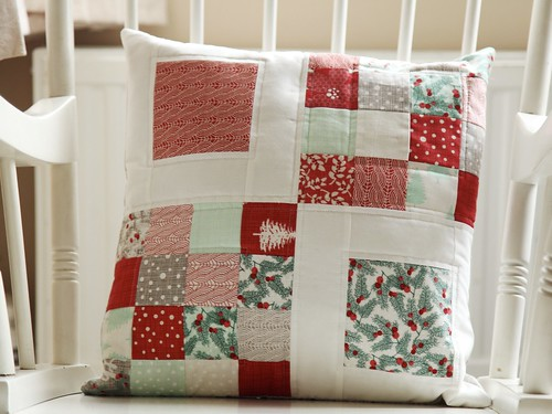 Winterberry Cushion