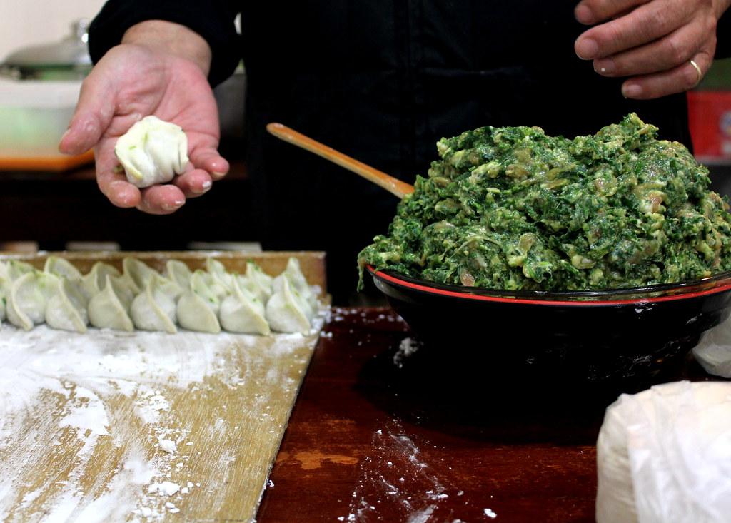 Taipei Night Market Trail: tonghua night market beef noodles ingredients