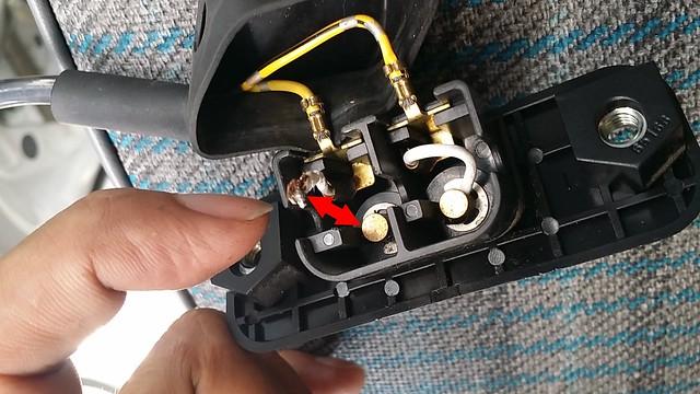 アクティバン集中ドアロック断線部故障修理