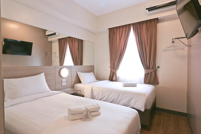 Amorsolo Twin Room 1