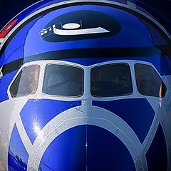 Nippon Airways Dreamliner painted in R2-D2 colours