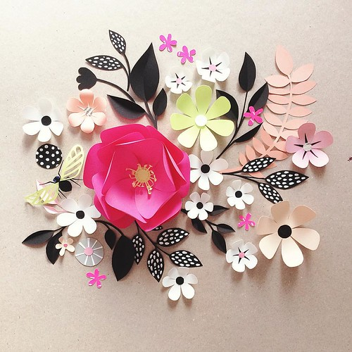 paper-sculpture-flowers