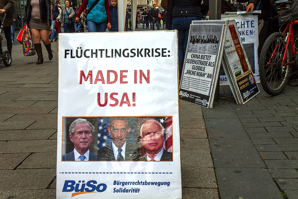 FLUCHTLINGSKRISE MADE IN USA BUSO--Leipzig