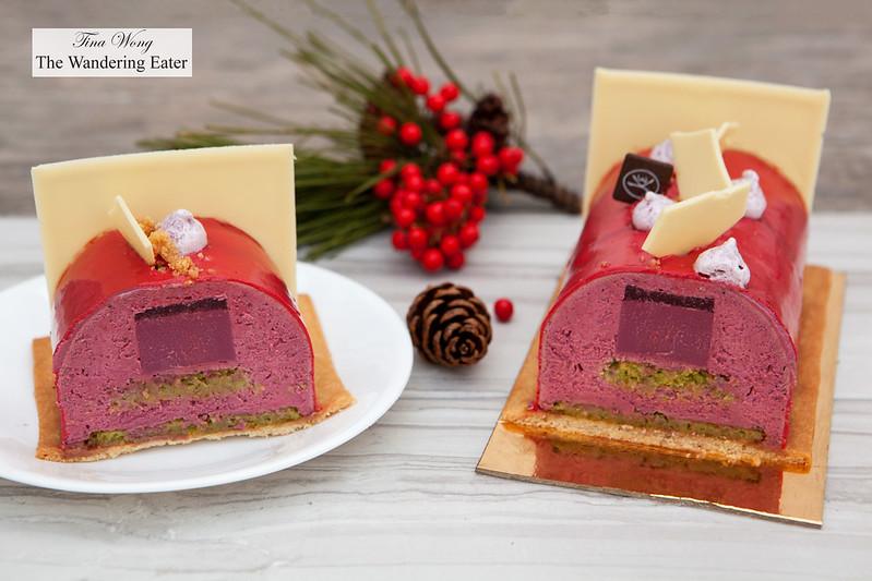 Bûche Tentation (raspberry & pistachio)