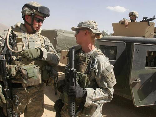 Пентагон зняв всі обмеження на службу жінок в армії