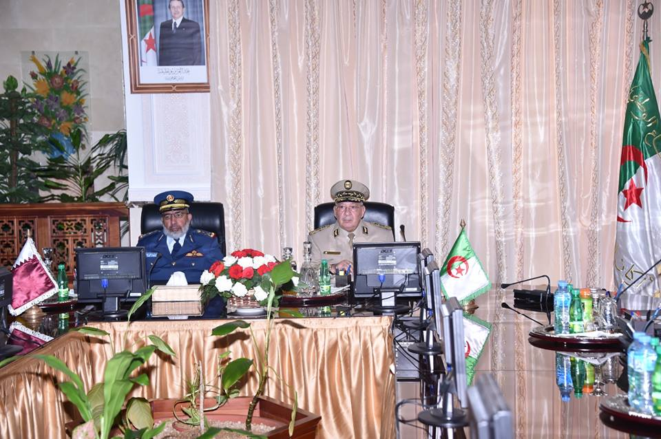 الجزائر : صلاحيات نائب وزير الدفاع الوطني - صفحة 4 30142903203_22334f0a2b_o