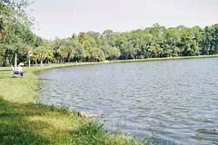 F072.Angler am Lake