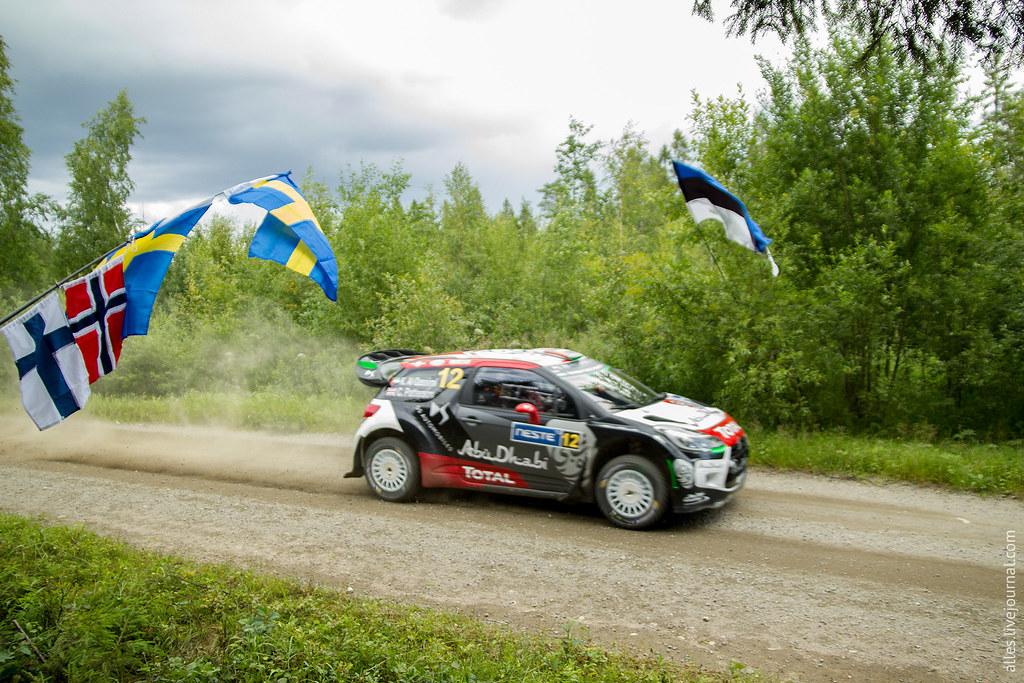 RallyFinland2015-Mokkiperra_12_flags