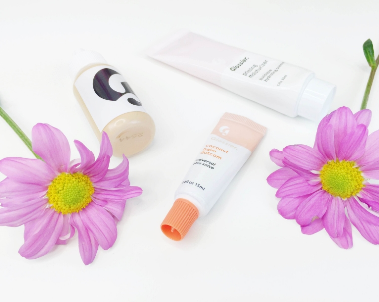 Glossier on my Mind, Glossier, Glossier Priming Moisturizer, priming moisturizer, Coconut Balm Dot Com, Glossier Coconut Balm Dot Com, Glossier perfecting skin tint, perfecting skin tint, skin tint, skincare and beauty products, Glossier beauty, Glossier skincare