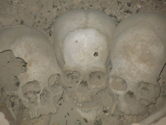 Skulls within the Chulpa