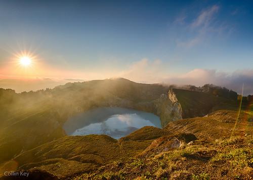lake flores sunrise indonesia dawn volcano crater idn kelimutu nusatenggara sundaislands tiwunuamurikoohtai