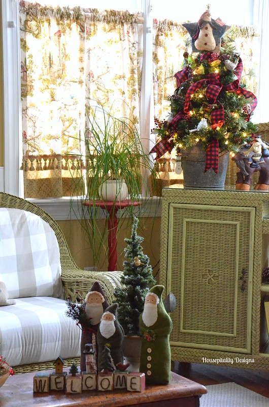 2015 Christmas Sunroom - Housepitality Designs