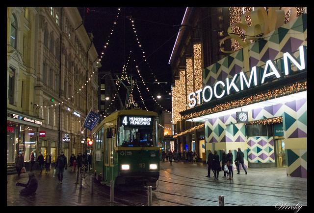 Laponia viaje Madrid Helsinki - Tranvía y luces de Navidad