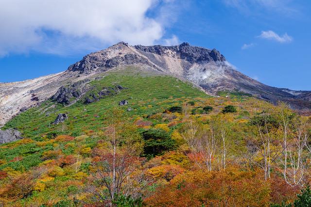 茶臼岳と紅葉@姥ヶ平