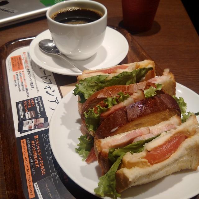 上島珈琲店でランチ