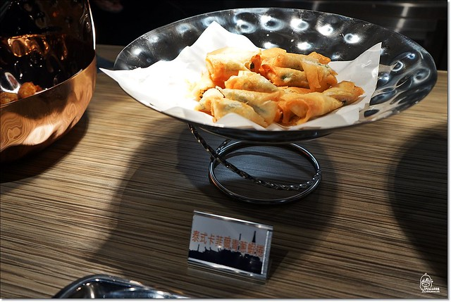 22836447771 a82b3a1e93 z - 『熱血採訪』泰皇城泰式自助百匯餐廳-台中第一間泰式料理吃到飽餐廳不分時段吃到飽 天使紅蝦、萬里蟹、泰式椒麻雞、青島啤酒、Haggen-Dazs等全都讓你吃免驚(已歇業),