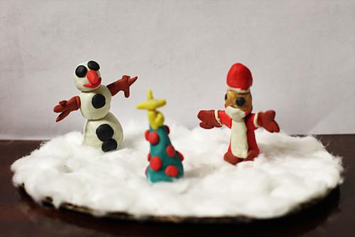 10. Сделать снежную поделку с помощью ваты