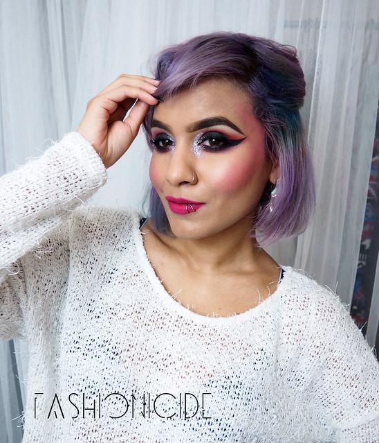 Glittered-Inner-Corners-Eye-Makeup-2