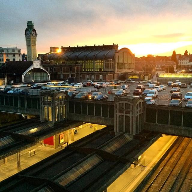 Gare de #Rouen #RouenParisRouen #sunset #tw