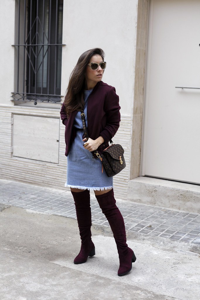015_how_to_wear_bomber_burgundy_outfit_theguestgirl_streetstyle_barcelona