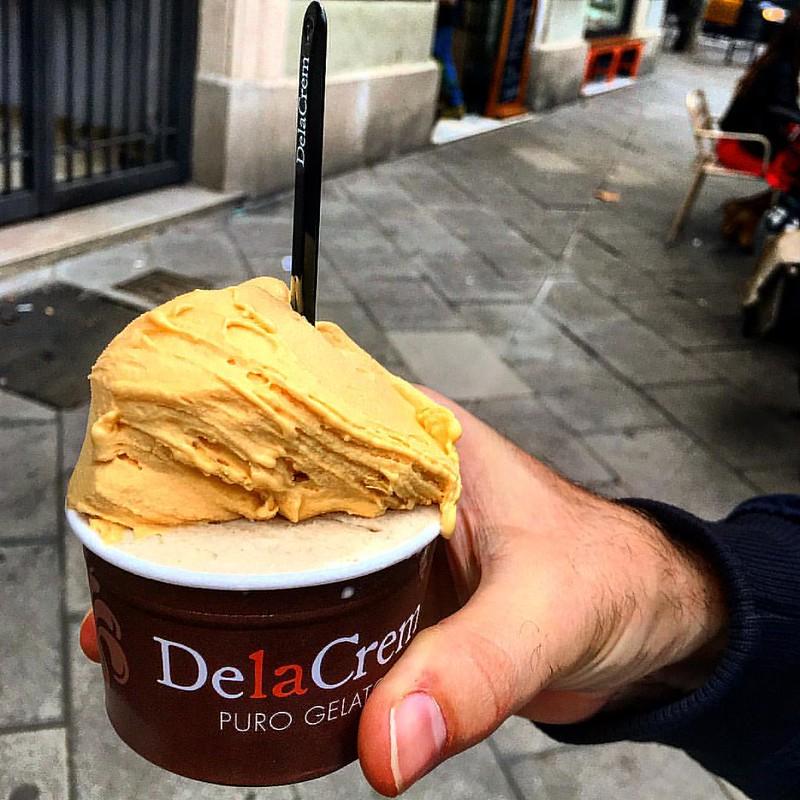 #seasonal #icecream: #sweetpotato & #honey and #chestnut or #marronglace at #delacrem @delacrembcn #🍧 Delicious!😙 #barcelonaeats #bcngourmet #bcndelicatessen #bcnamordiscos #eatography #foodoftheworld #takeateasy #topbarcel