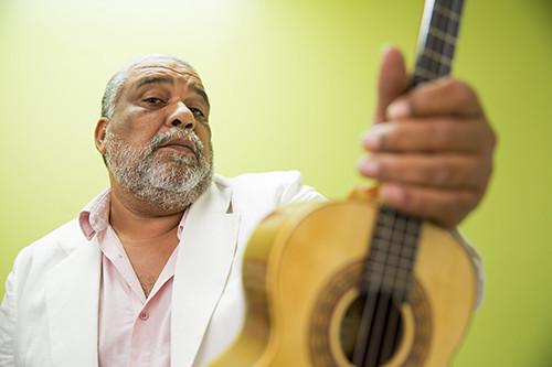 Gustavo Gomes Banda INTEIRA UmBandoDeSamba.jpg