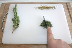 18 - Thymian zerkleinern / Cut thyme