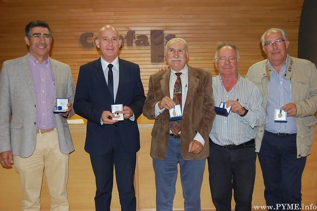 Ex presidentes galardonados con las Medallas de Oro de PECALE.