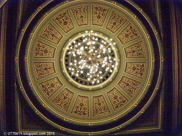 Leuchter im großen Saal