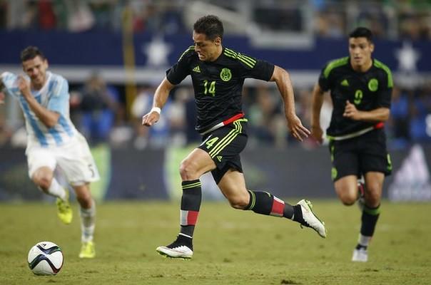 Bayer Leverkusen destaca actuación de 'Chicharito' con México