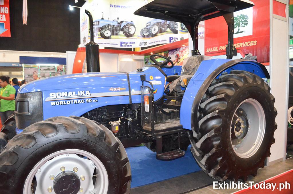 Blue Sonalika Worldtrac Tractor