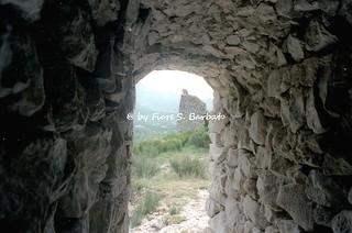 Avella (AV), 1997, Il Castello normanno.