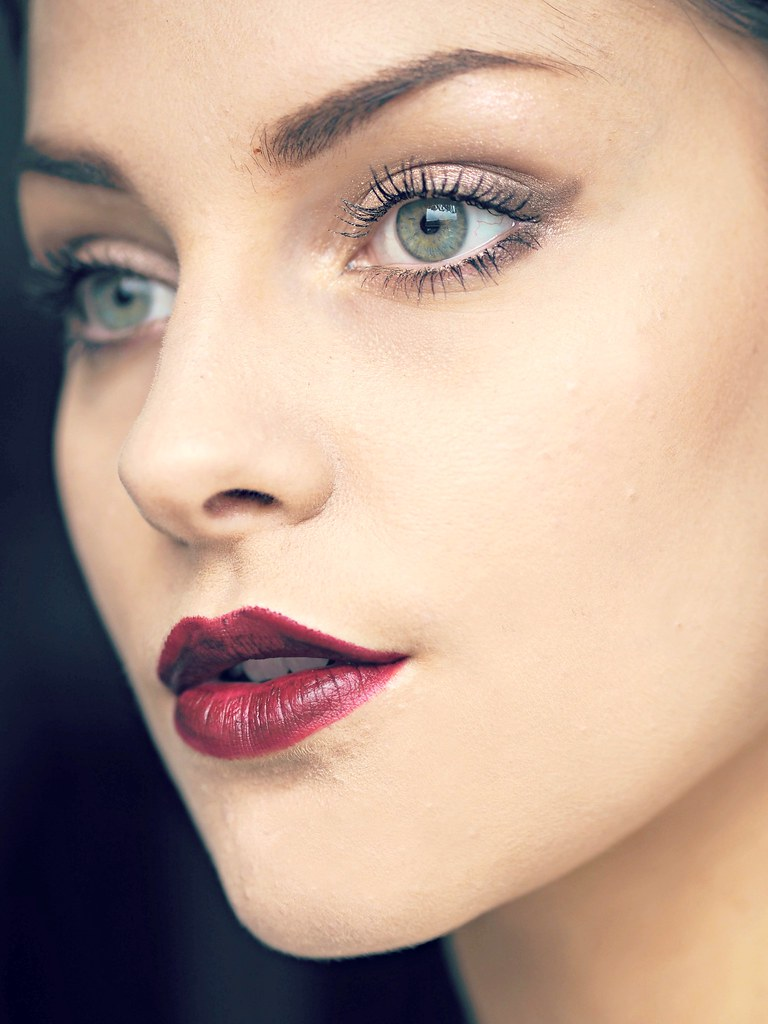 Tom Ford AW make-up tutorial black dahlia 7