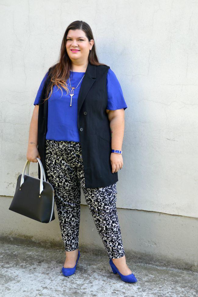 Outfit blu, nero e bianco (6)