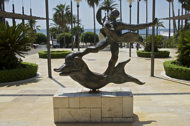 Hombre Sobre Delfin, Salvador Dali, Avenida del Mar, Marbella, Spain