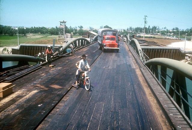 Da Nang 1968-69 - Cầu Nguyễn Hoàng - Photo by John Williams, MSgt