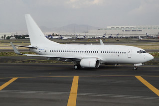 (Untitled)ex Aires Colombia Boeing 737-73V HK-4675